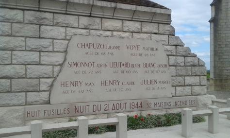Comblanchien Monument